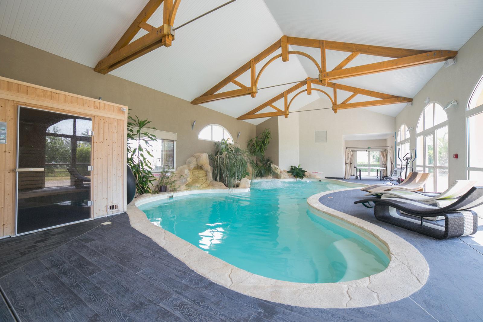 hotel restaurant piscine chauff e aux portes de nantes haute goulaine. Black Bedroom Furniture Sets. Home Design Ideas