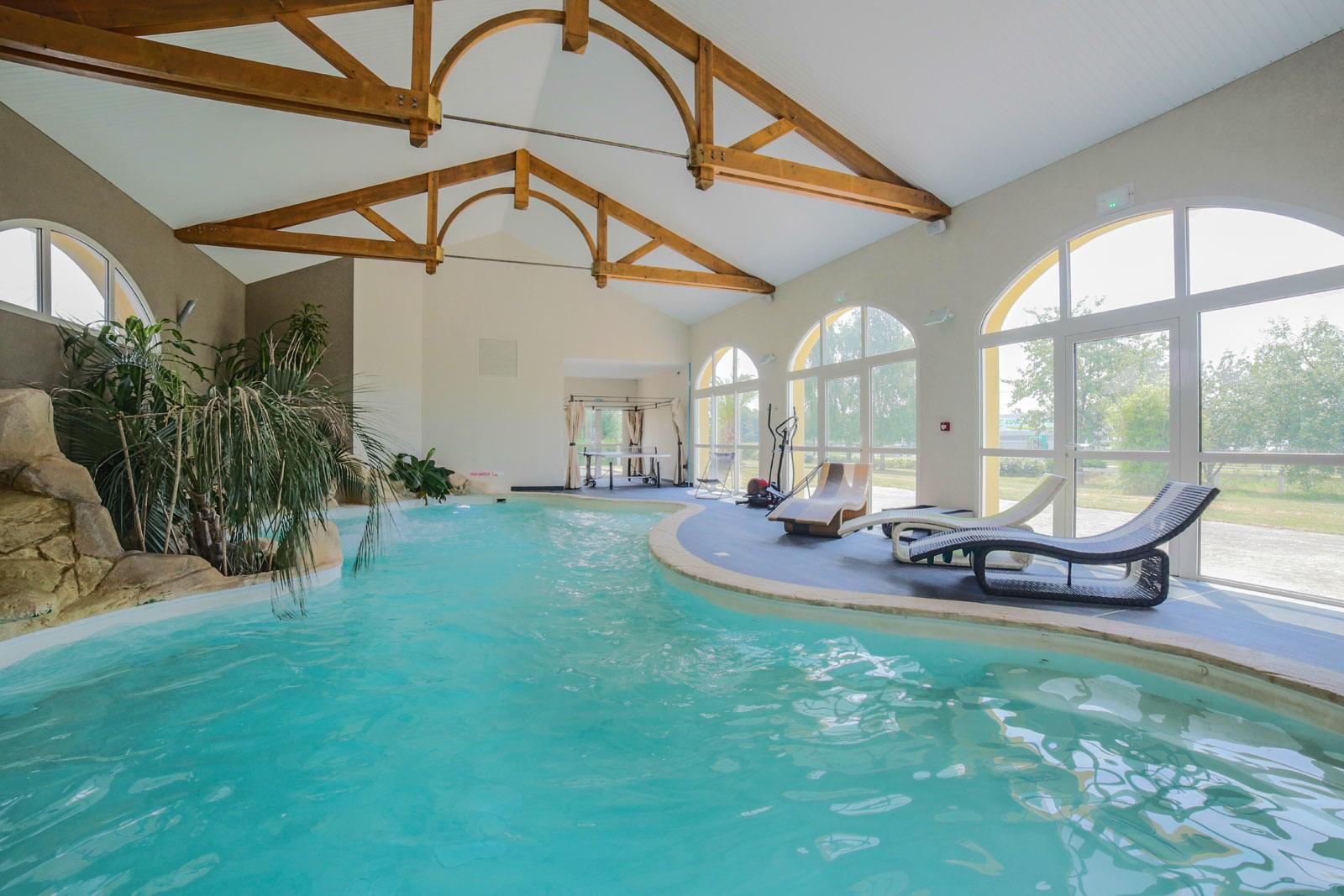 Espace piscine sauna hammam hotel de la lou e for Piscine sauna